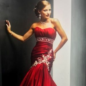 Maggie Sottero Amara Red Sz. 12 Altered to 8